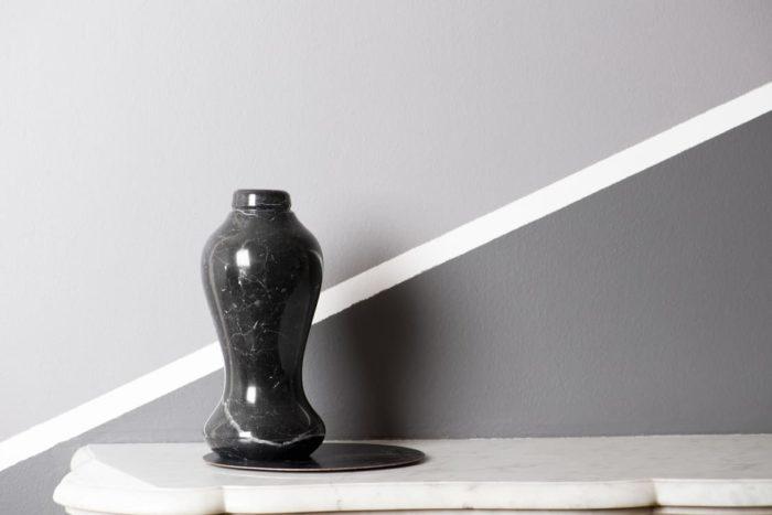 acqua in forma scultura in marmo